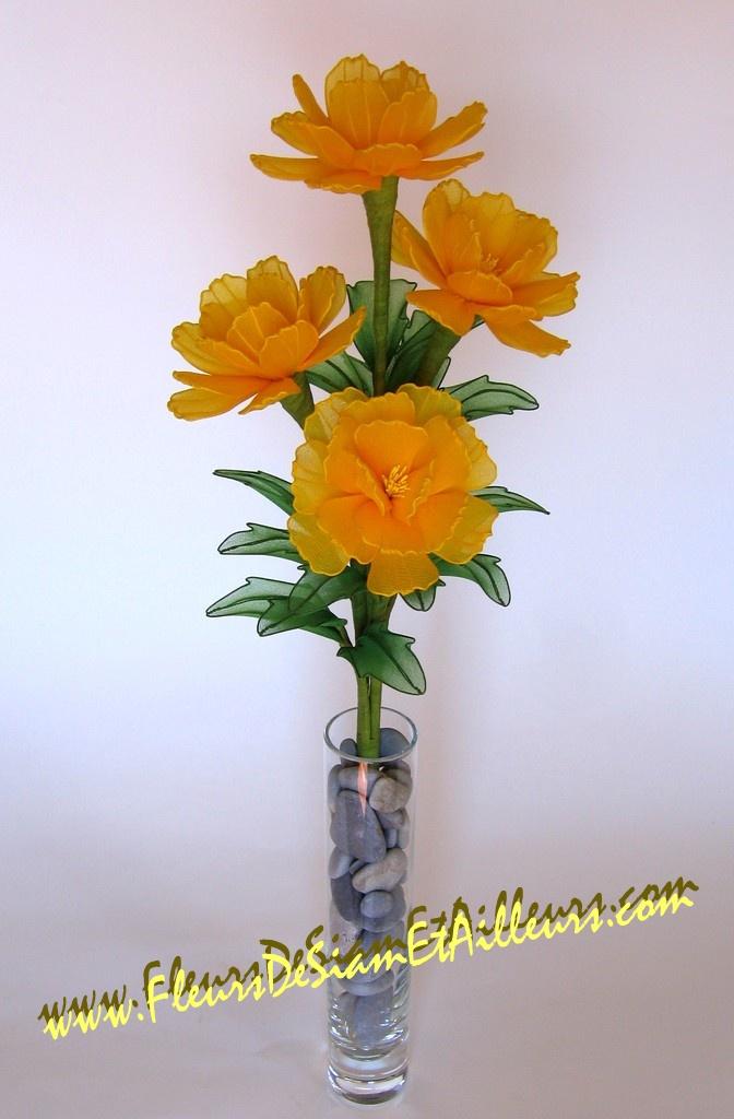 http://www.fleursdesiametailleurs.com/creations/images/fleur_104.jpg